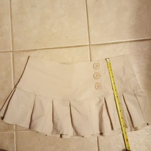 Cute cream colored mini skirt